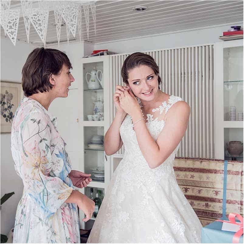 Brudekjole helt i hvidt