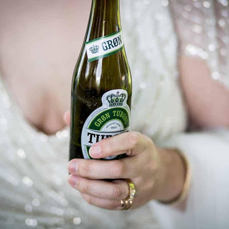 Skal gifteringen sitt på venstre eller høyre hånd?
