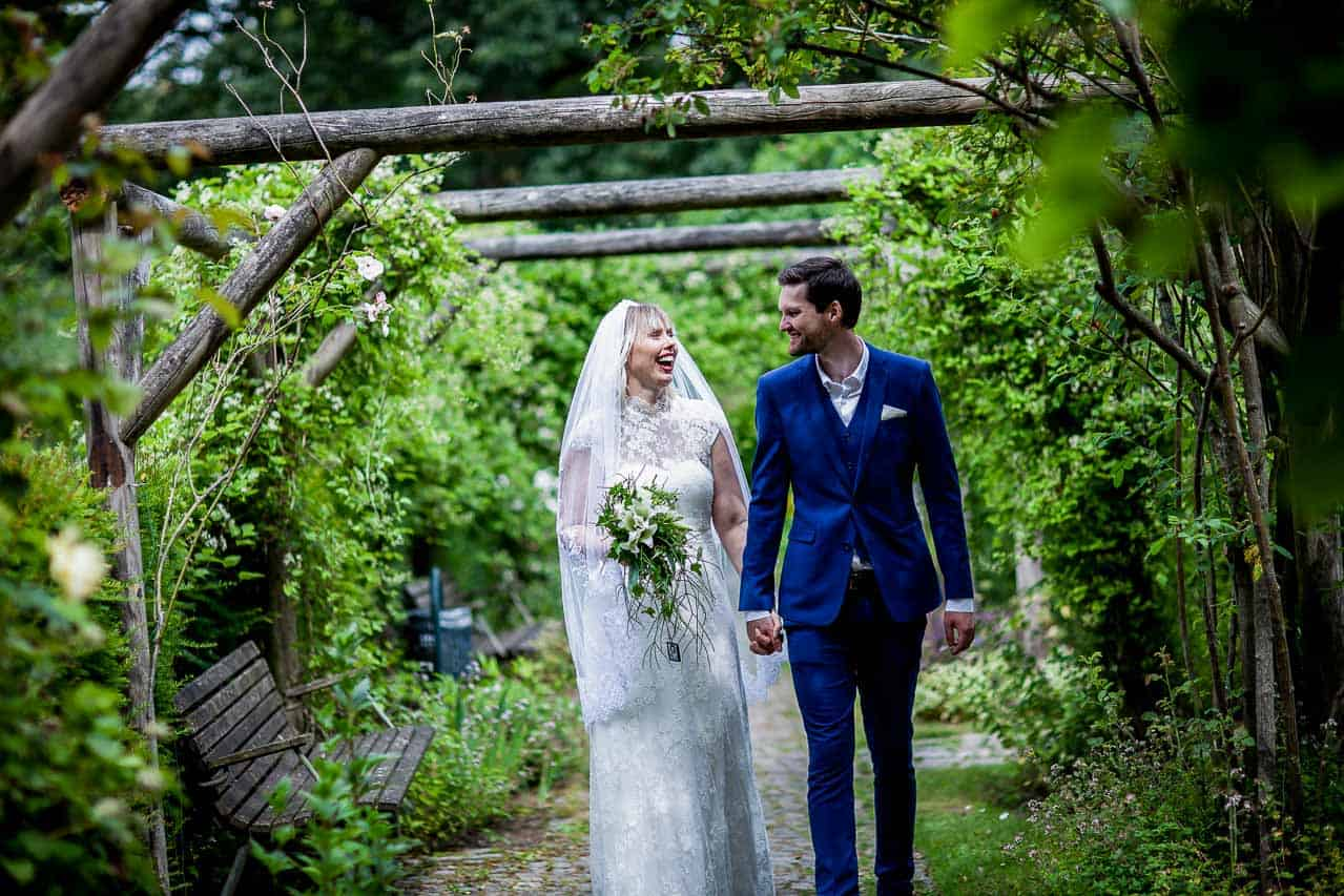 Fra kirke til brudevals